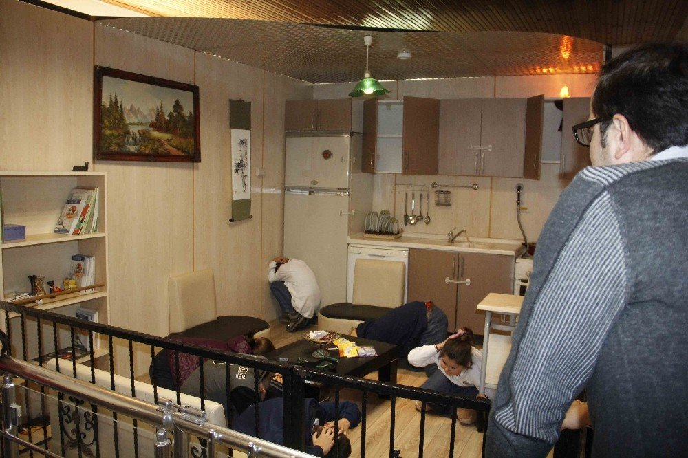 Kocaeli'de 71 Bin Kişiye Deprem Eğitimi Verildi