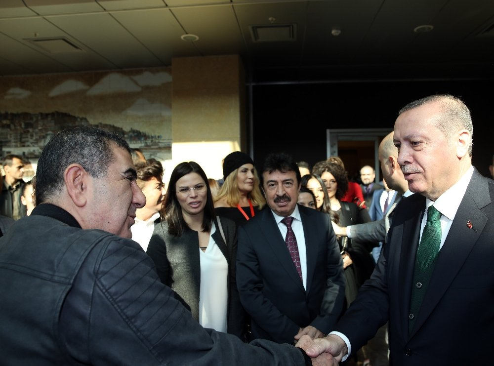 Erdoğan Sanatçılarla Görüştü