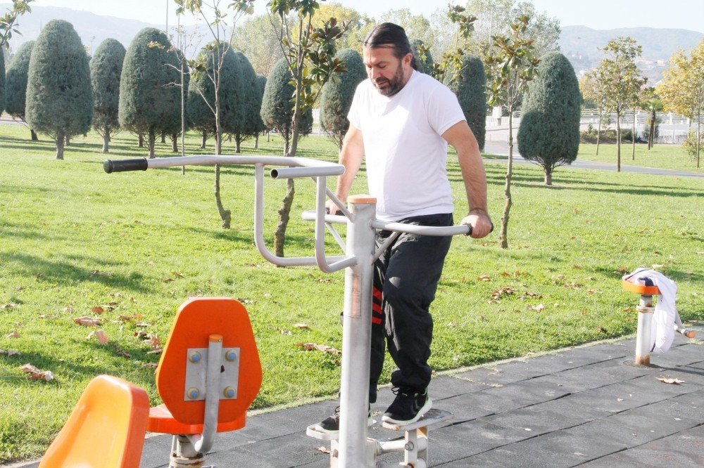 İhsaniye Parkı'nda Yenileme Ve Tadilat Çalışması Yapıldı