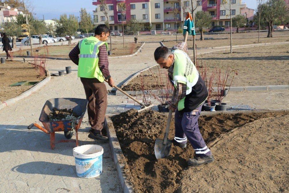 Burhaniye'de Parkların Sayısı Artıyor