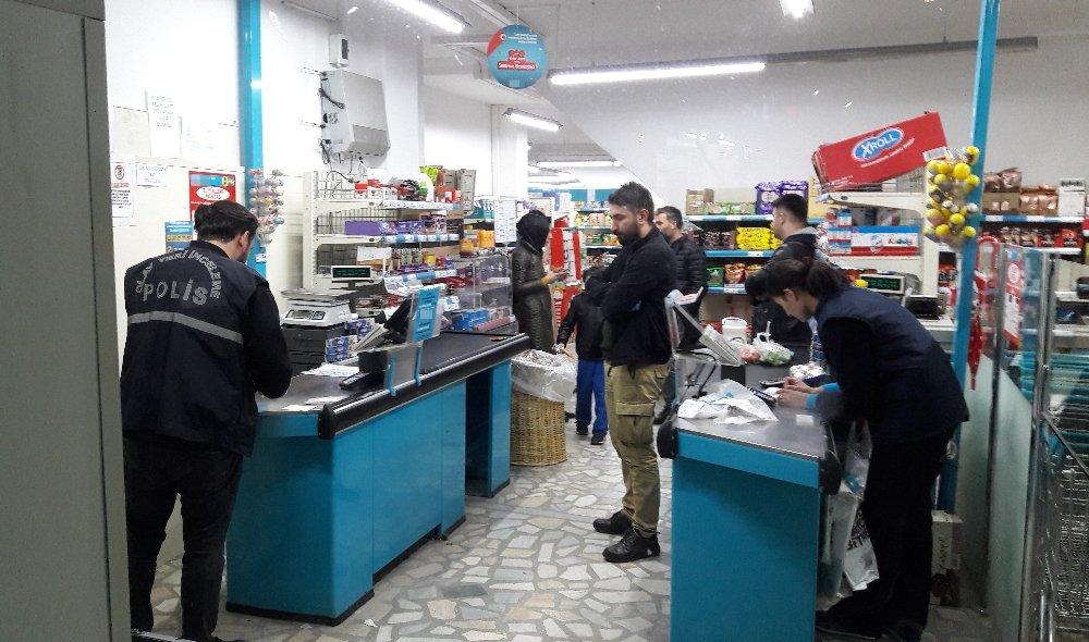 İstanbul'da Bıçaklı Market Soygunu