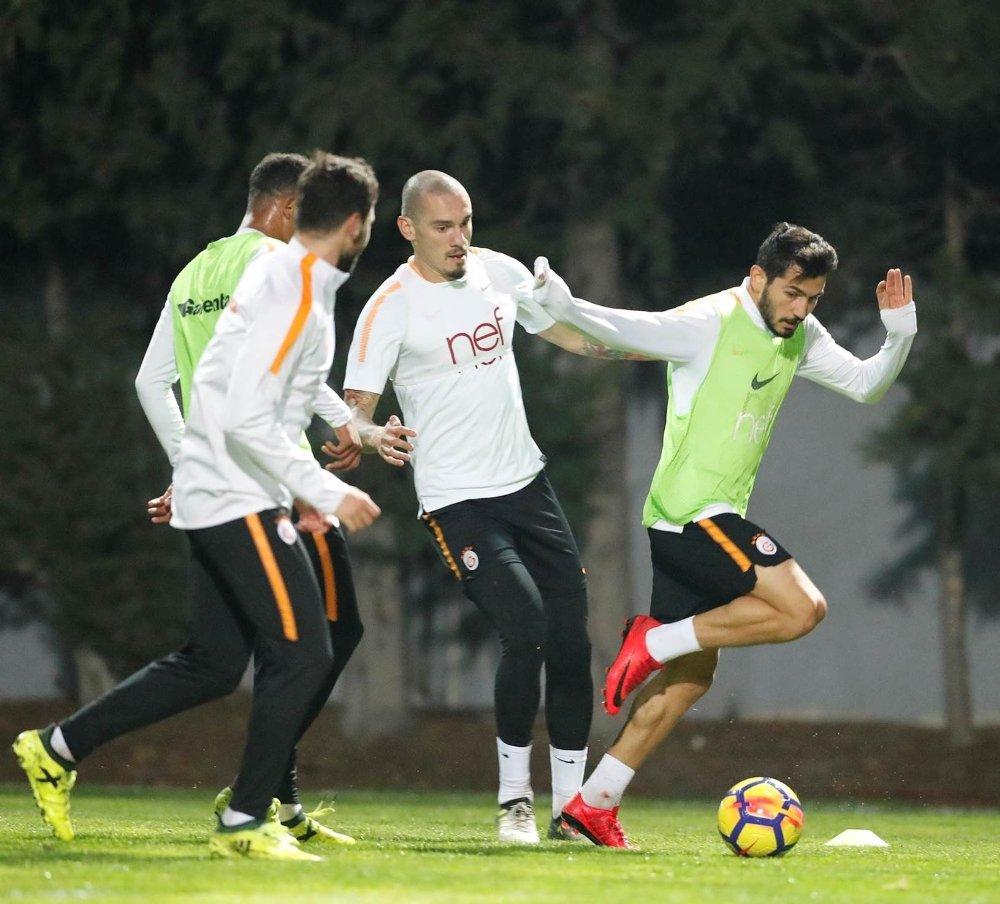 Galatasaray 8 Eksikle Çalıştı