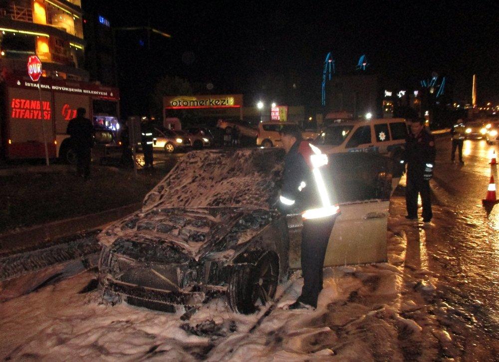Lüks Otomobil Alev Topuna Döndü