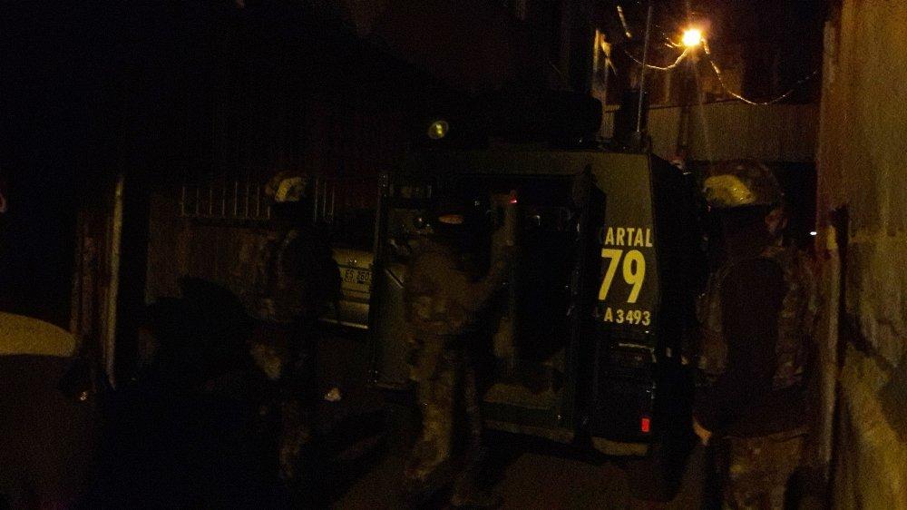 İstanbul'da 20 Adrese Narkotik Baskını