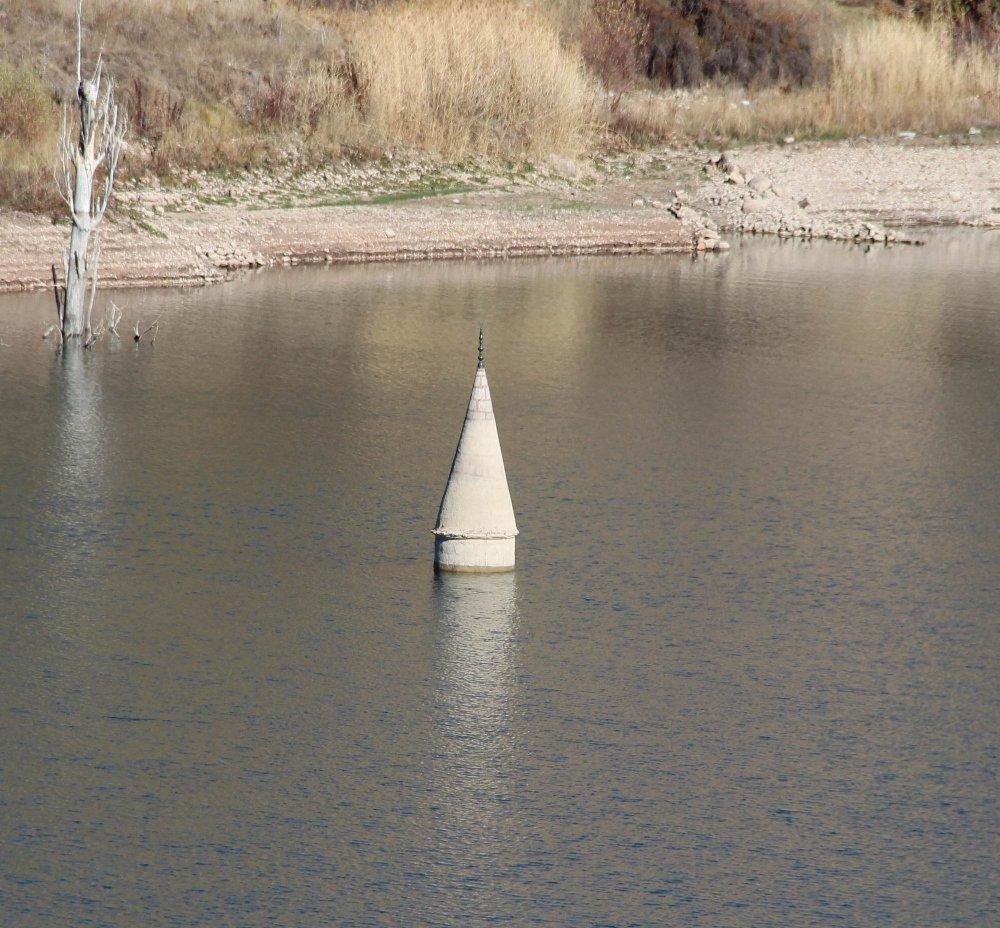 Sular Çekildi, Minare Göründü