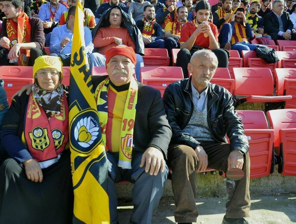 Tribünlerin En Yaşlı Çifti