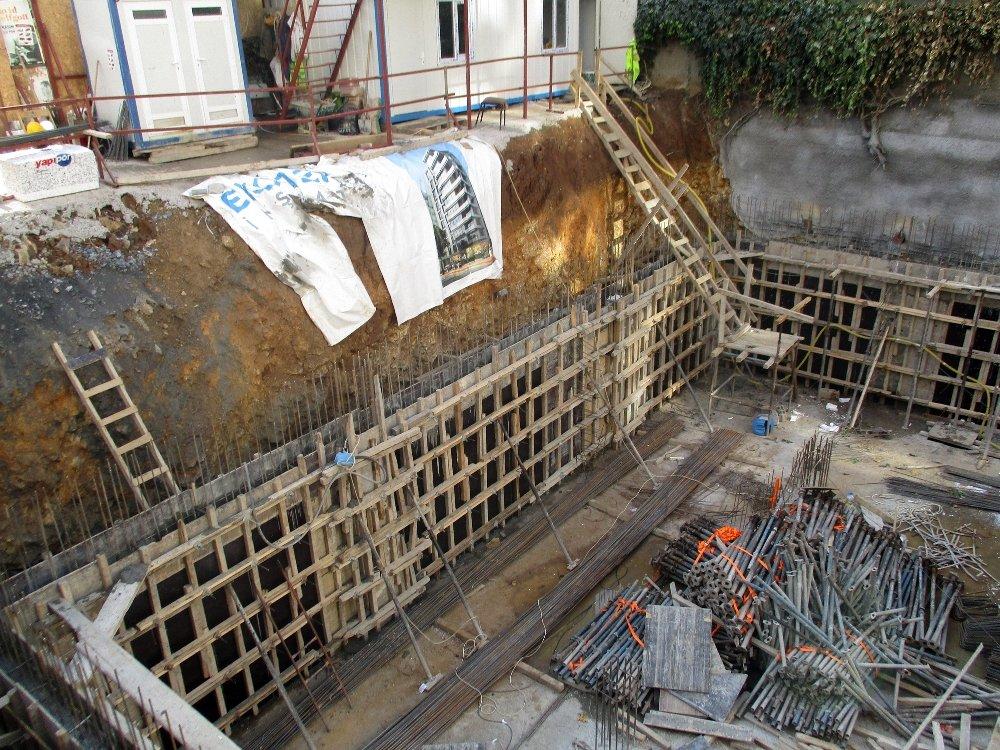 Beton Mikserinin Pompası Patladı: İşçileri Böyle Çıkardılar