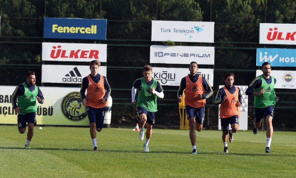 Fenerbahçe Sivasspor Mesaisini Sürdürdü