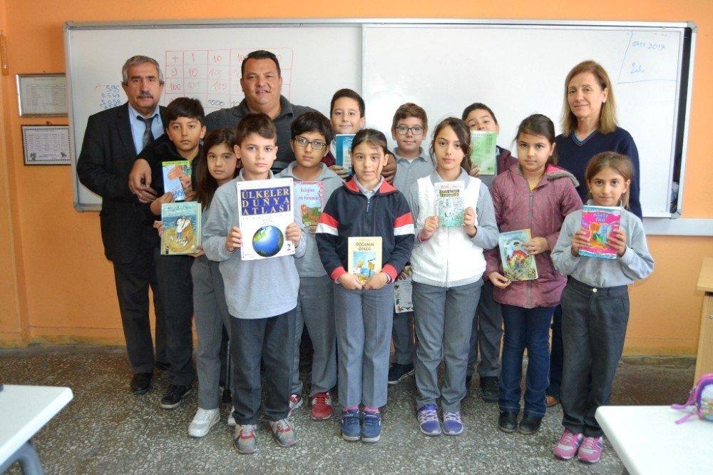 Öğrenciler Gazeteci Ağabeyleriyle Kitap Okudu