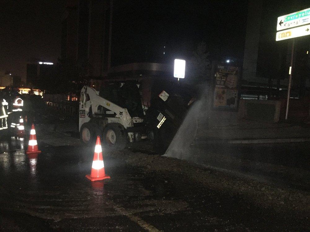 İstanbul'da Nato Boru Hattı Delindi