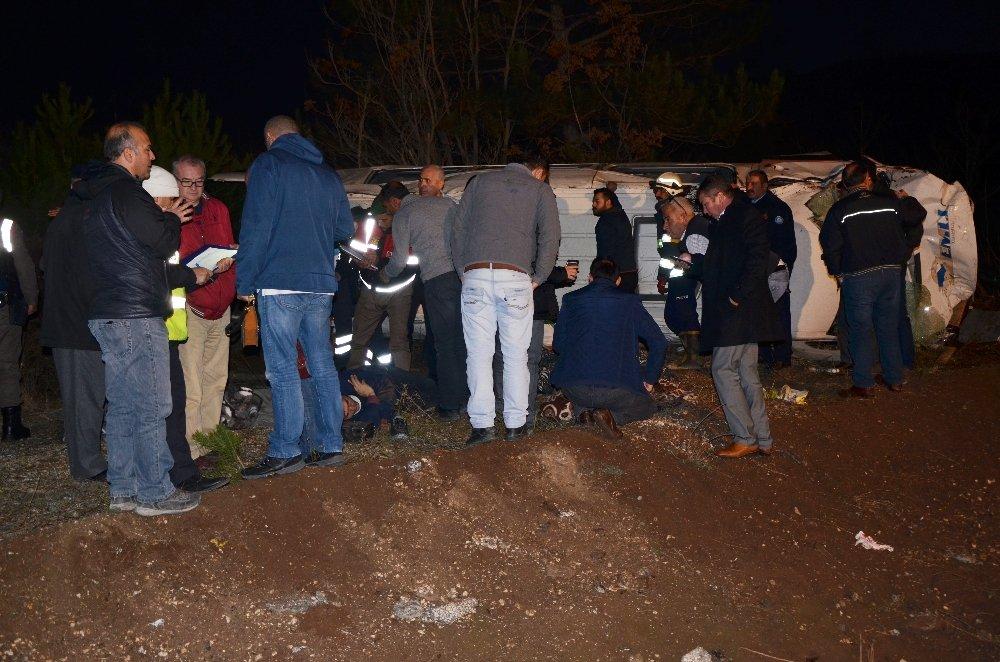 İşçi Servisi Takla Attı: 15 Yaralı