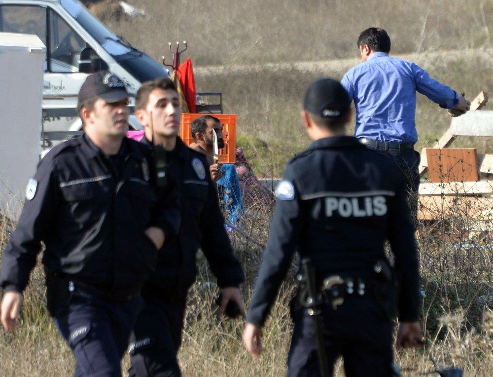 Bursa'da Yıkım Gerginliği: Bıçakla Direndiler