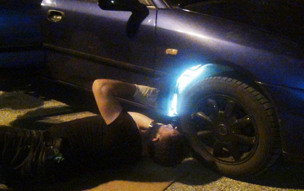 Benzin Deposundan Esrar Çıktı