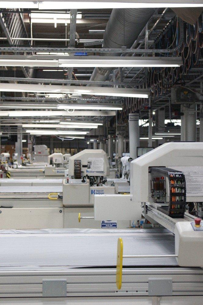 Hugo Boss Solutions Ve Aster Tekstil'den İş Birliği