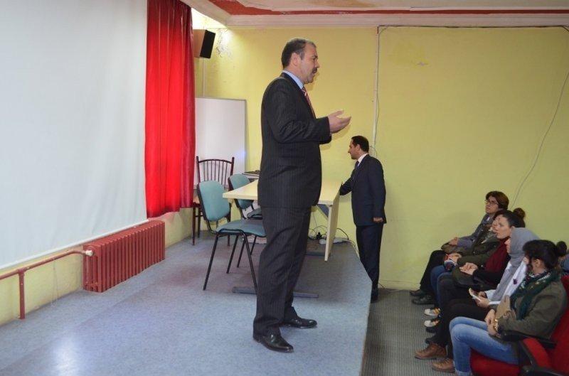İvrindi'de Değerler Eğitimi Yardımlaşma Semineri İlgi Gördü