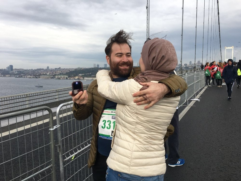 Maratonda Evlenme Teklifi