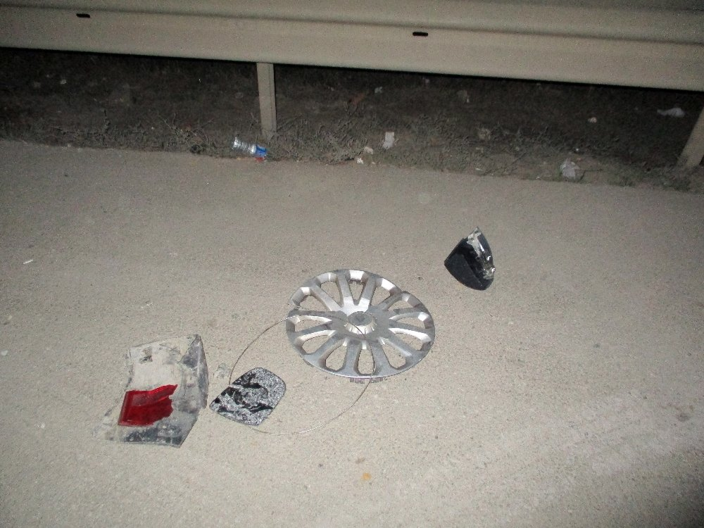 İhbara Giden Polislere Otomobil Çarptı: 2 Yaralı