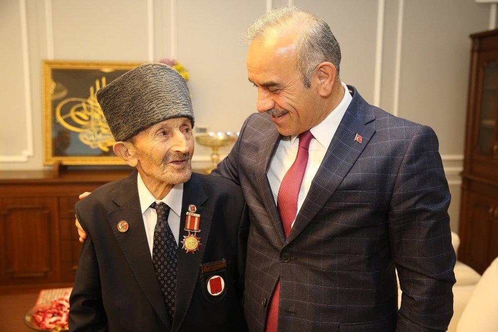65 Yıl Sonra Gelen Madalya