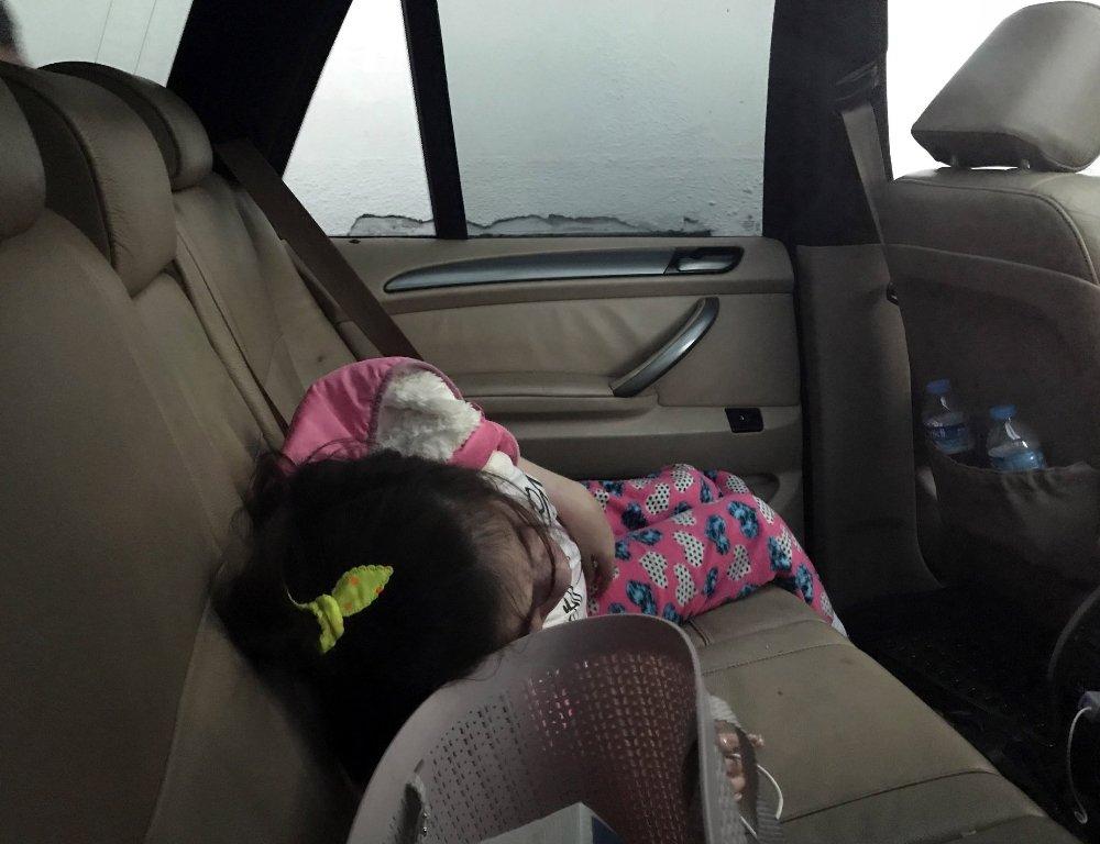 Cipte Bırakılan Engelli Çocuk Cam Kırılarak Kurtarıldı