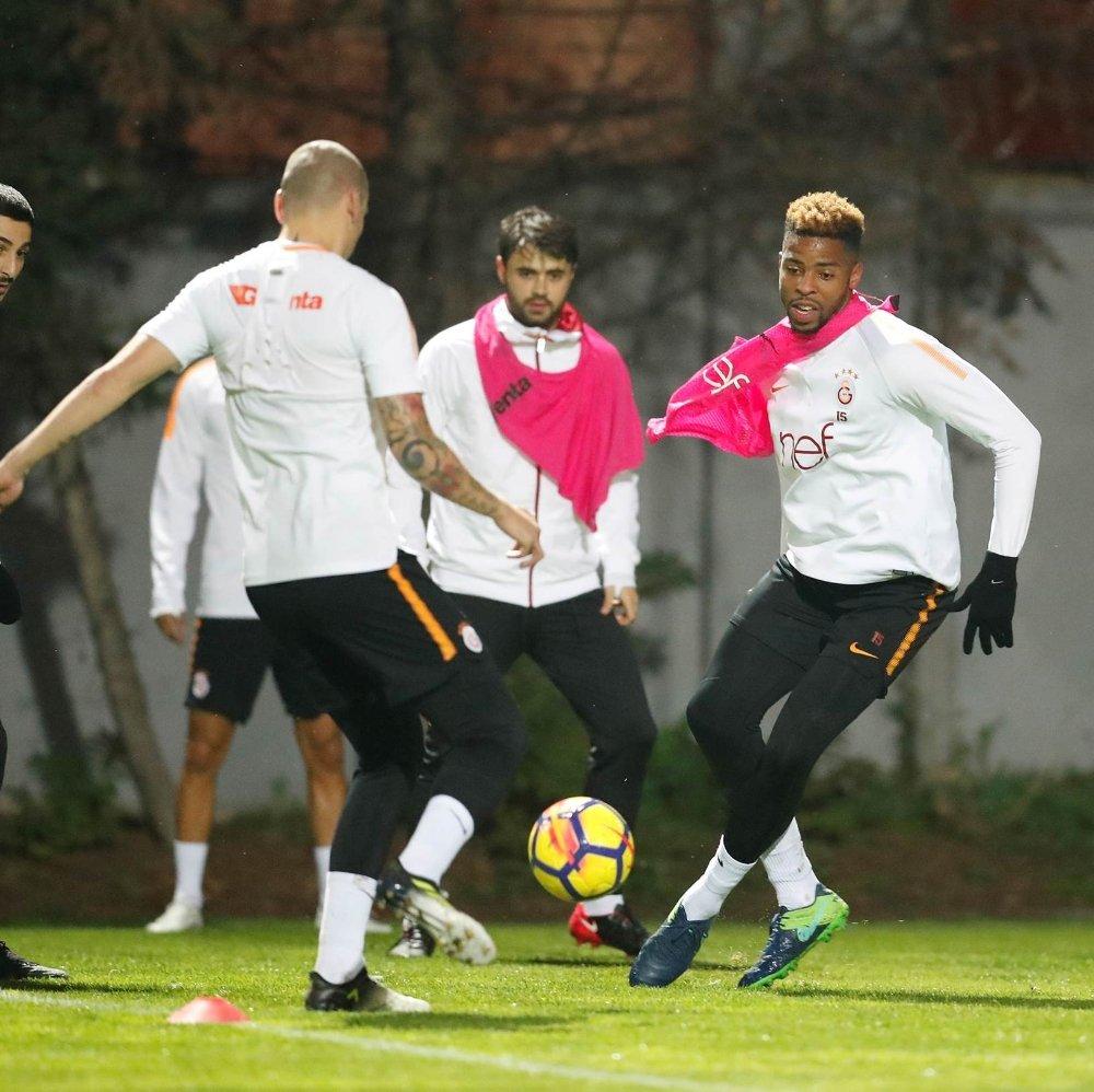 Galatasaray, Medipol Başakşehir Mesaisini Sürdürdü