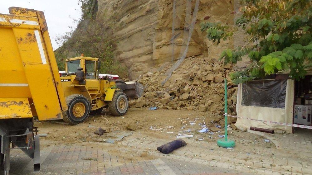 Silivri'de Toprak Kayması