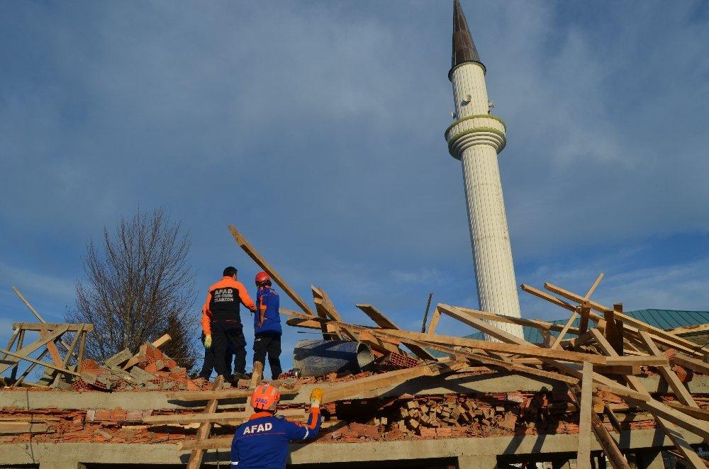 Cami Lojmanı İnşaatı Çöktü: 1 Ölü, 7 Yaralı