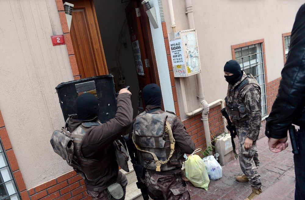 Beyoğlu'nda Saunaya Uyuşturucu Baskını