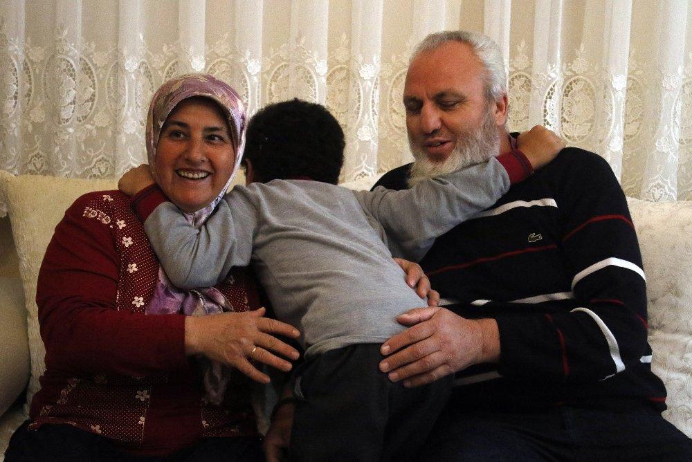29 Yıl Sonra 'Anne' Ve 'Baba' Sözleriyle Tanıştılar