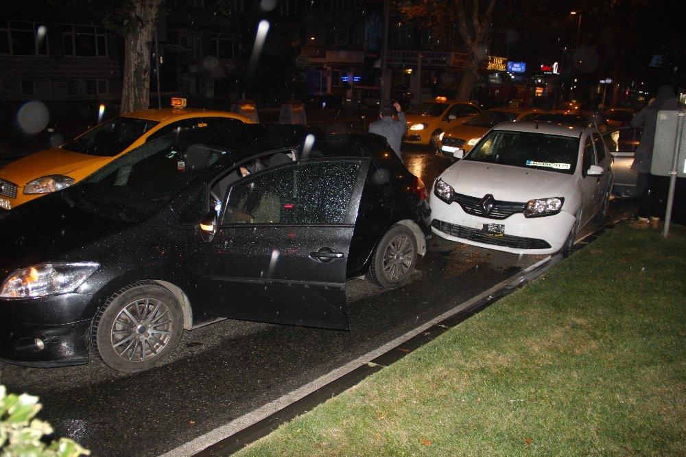 İstanbul'da Üç Ayrı Kaza: 4 Yaralı