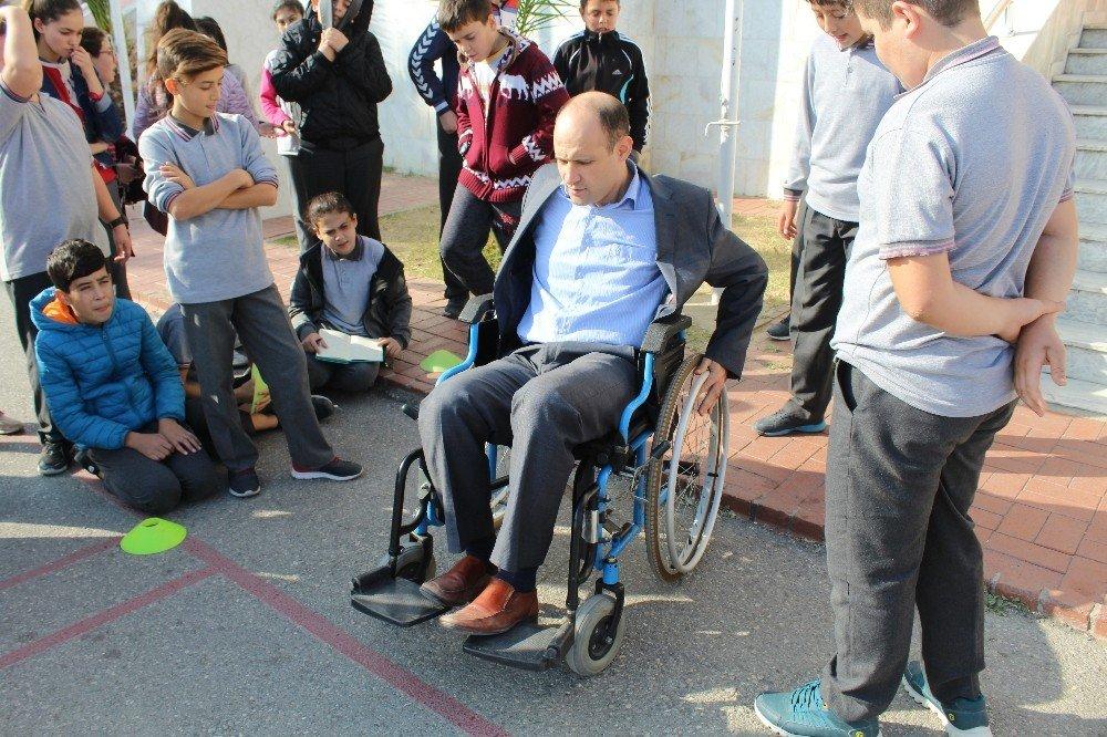 Edremit'te Öğrenciler, Kısa Süreli Engelli Oldular