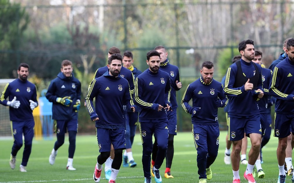 Fenerbahçe'de, Antalyaspor Mesaisi Sürdü
