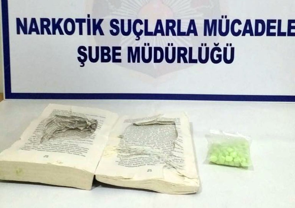 'Suç Ve Ceza'dan Uyuşturucu Çıktı