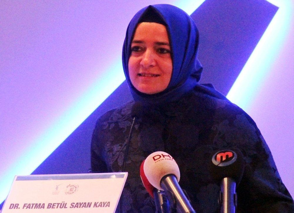 """Bakan Kaya'dan Kılıçdaroğlu'na """"Kadına Şiddet"""" Tepkisi"""