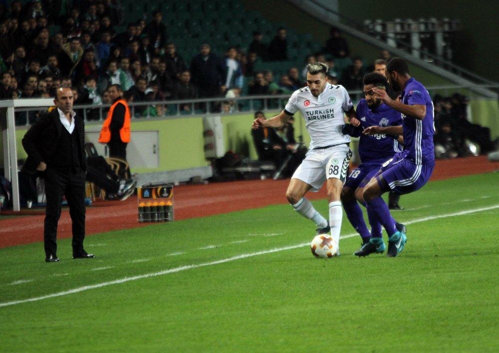 Atiker Konyaspor Turu Zora Soktu