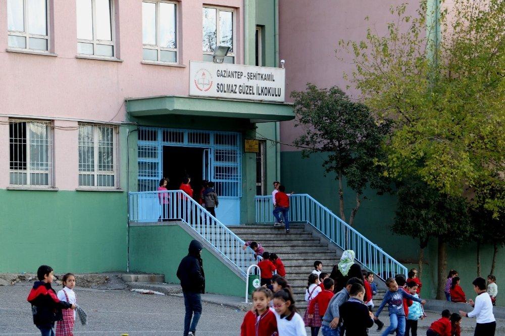 Yanlış Anlaşılan Öğretmen Öldüresiye Darp Edildi