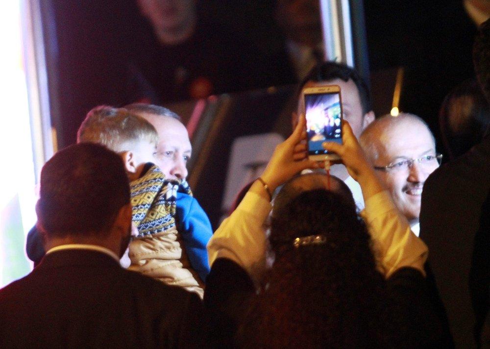 Erdoğan, Minik Adaşı İle Buluştu