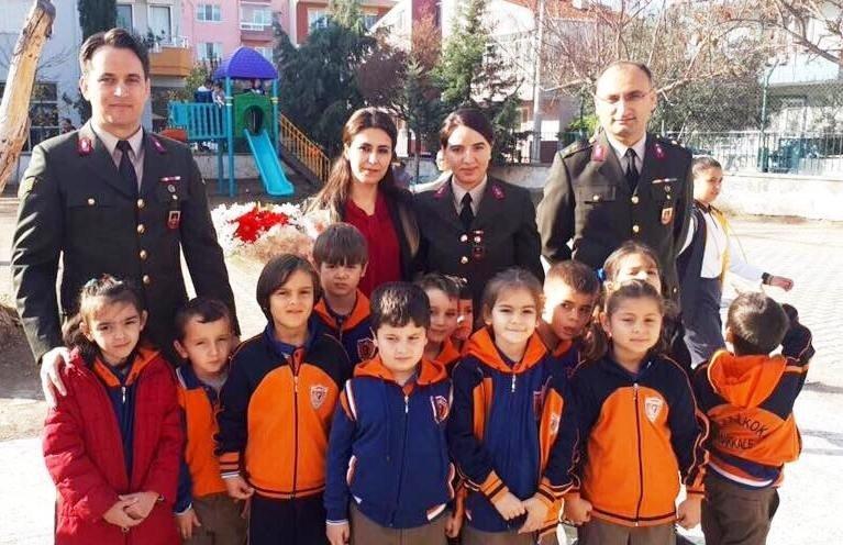 Jandarma, Şehitlerin Öğretmen Eşlerini Unutmadı