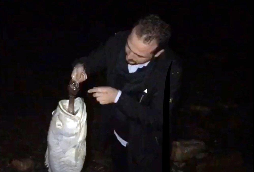 """Nesli Tükenmekte Olan Balık """"Pet Şişe"""" Kurbanı Oldu"""