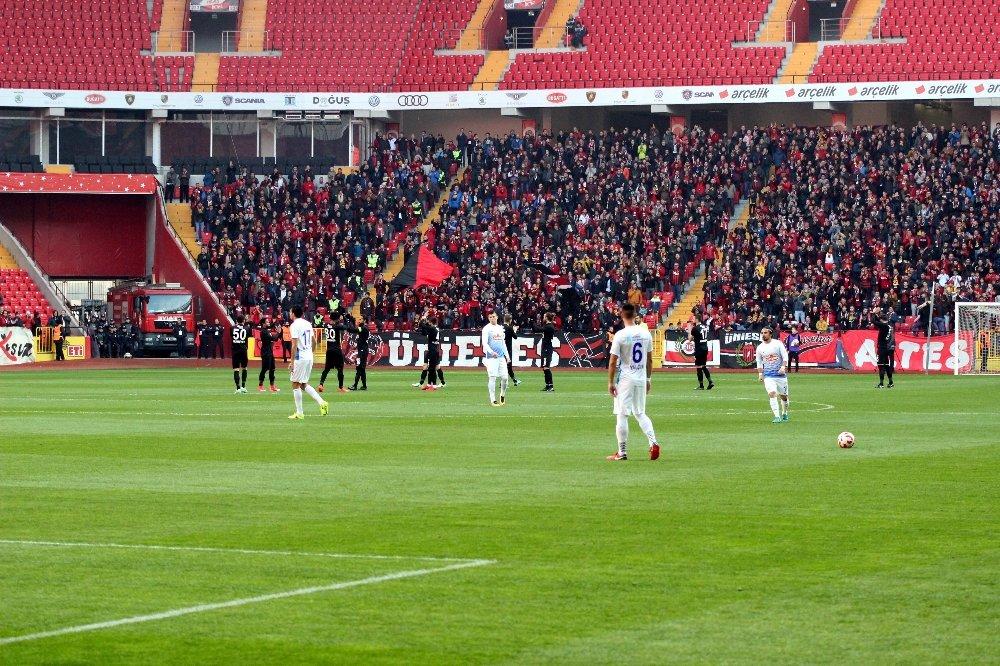 Eskişehirsporlu Futbolculardan Tarihi Tepki