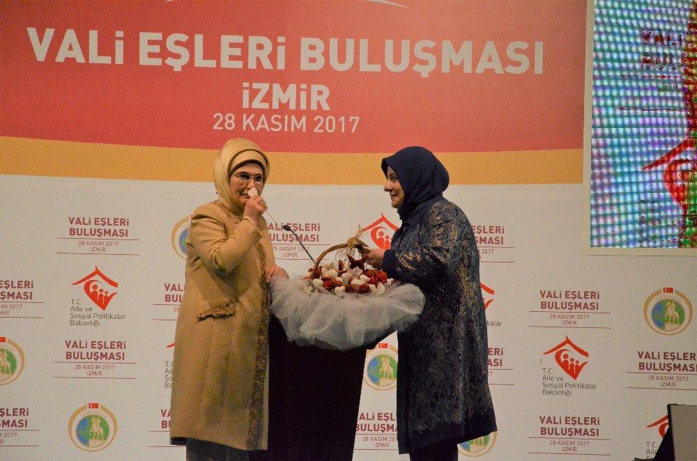 Emine Erdoğan Vali Eşleri İle Buluştu
