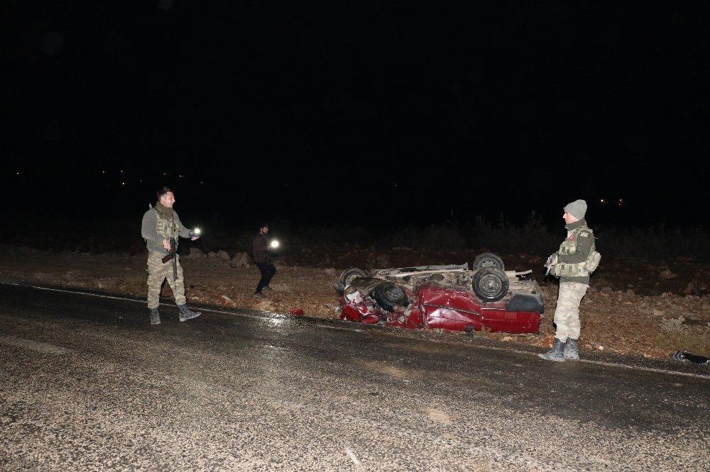 İki Araç Kafa Kafaya Çarpıştı: 1 Ölü, 9 Yaralı