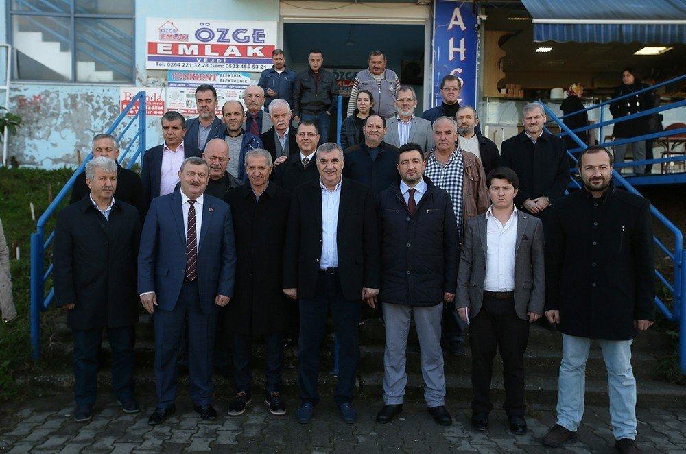 Başkan Toçoğlu Karaman Mahallesi Esnafıyla Bir Araya Geldi