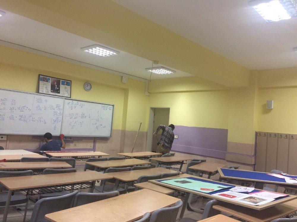 Körfez'de Okullar Boyanıyor