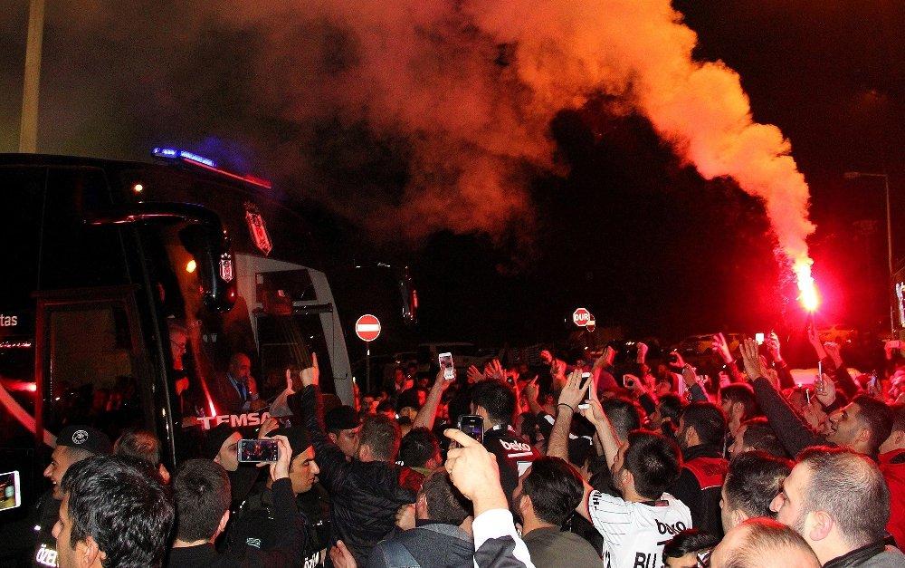 Beşiktaş'a Coşkulu Karşılama