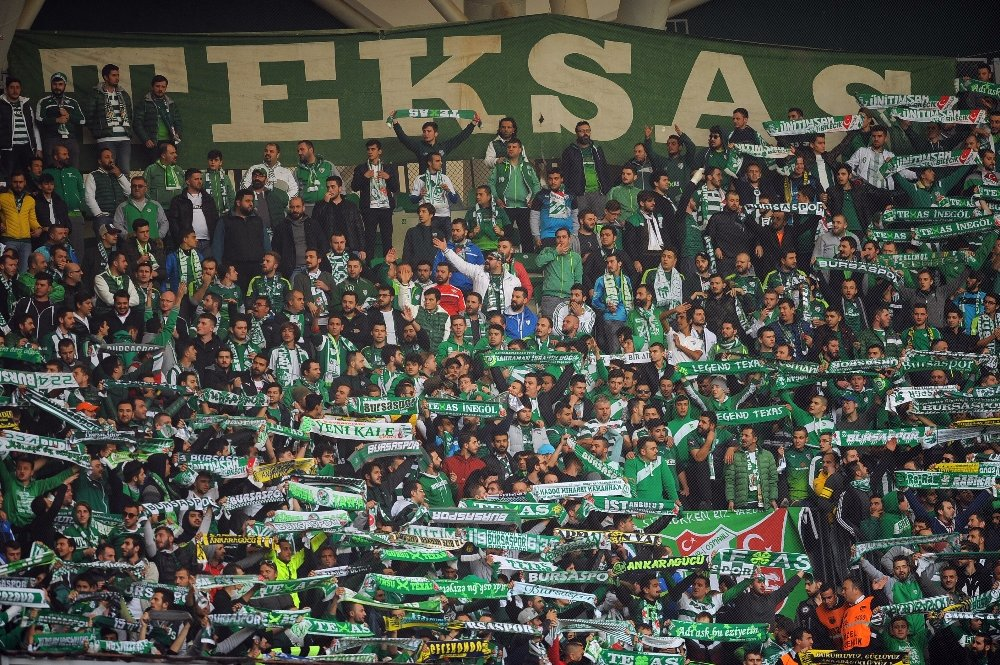 Bursaspor'dan Deplasmanda Farklı Galibiyet
