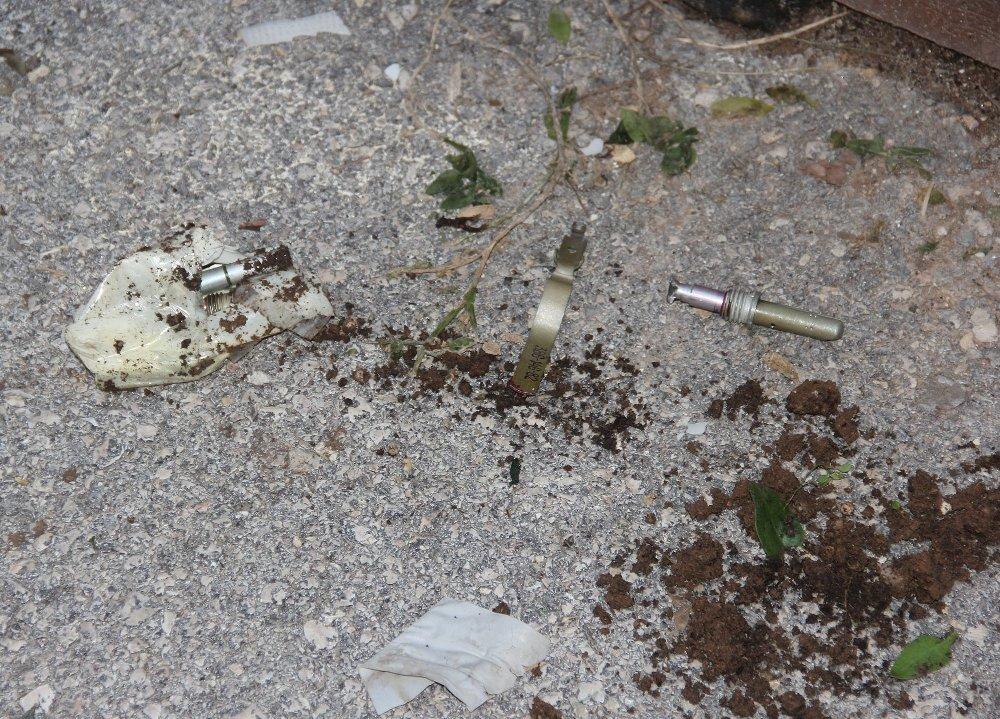 2 El Bombası Fünyesi Patladı: 1 Yaralı