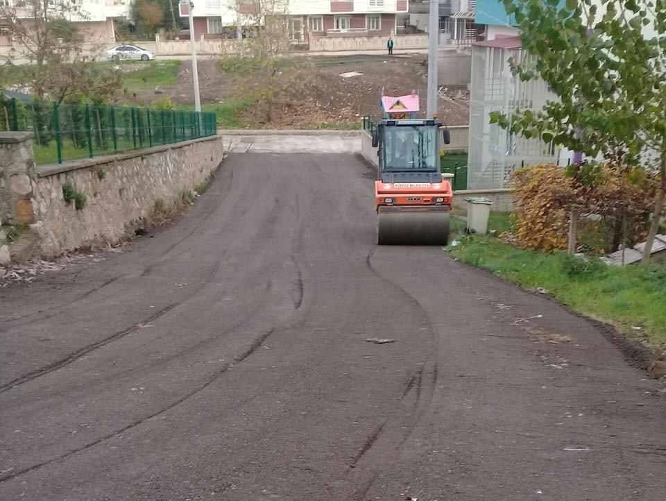 Körfez Belediyesi'nden Salkım Sokak'ta yol düzenlemesi