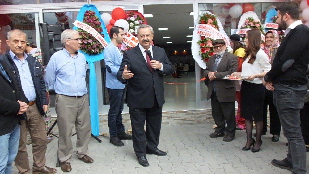 """Başkan Uysal,"""" Burhaniye Edremit'in gölgesinden kurtarılmalı"""" dedi"""