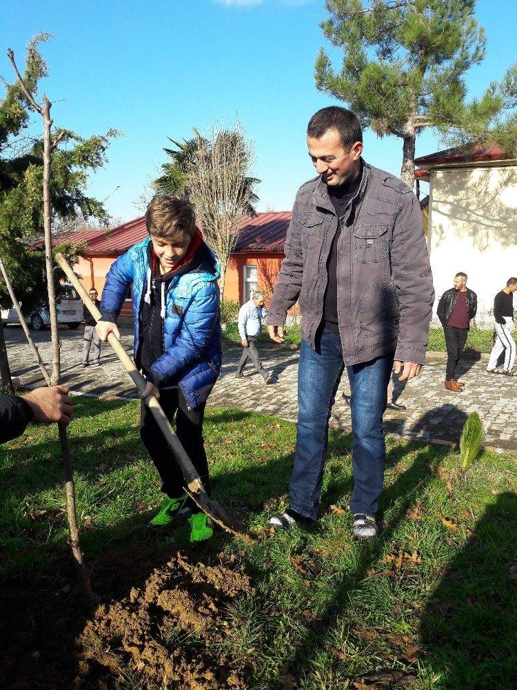 İzmit Belediyesi Çocuk Meclisi'nden rehabilitasyon merkezine ziyaret