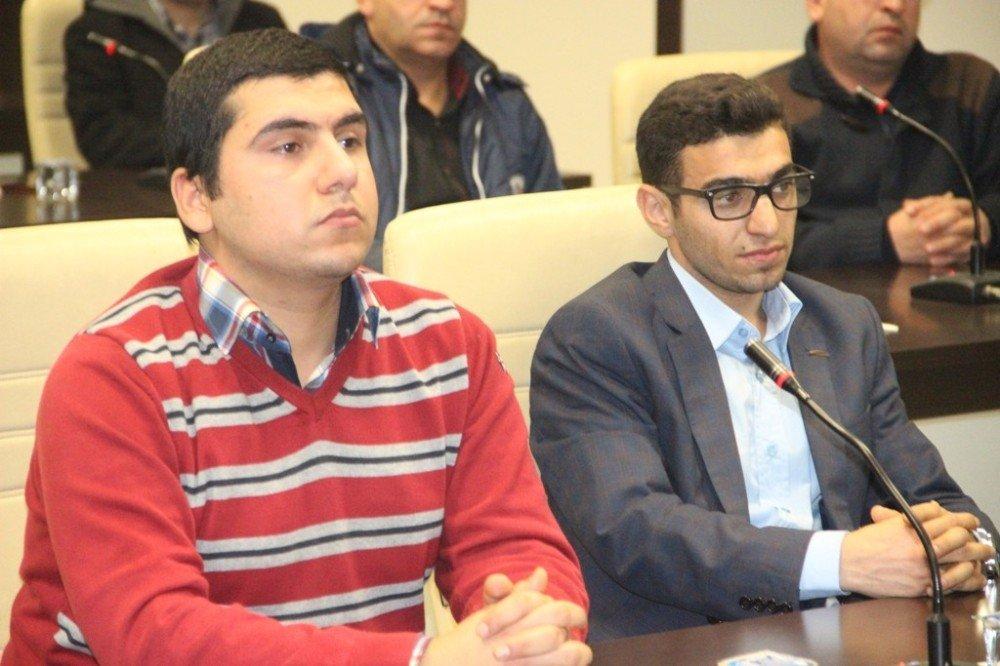Üniversiteden dereceyle mezun olan 20 genç Büyükşehir Belediyesinde iş başı yaptı